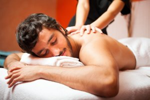 Thai Massage Köln 300 neckattack Mann